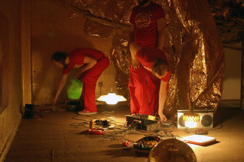 """August 2007 Konzert bei der Ausstelung """"kleinen Raumverschiebung"""", Berlin"""